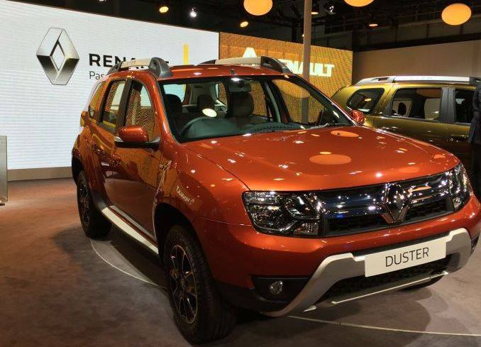 renault duster facelift launched prices changes amt. Black Bedroom Furniture Sets. Home Design Ideas