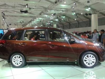 Honda Mobilio MPV Car On Road Price List In Delhi With Tax